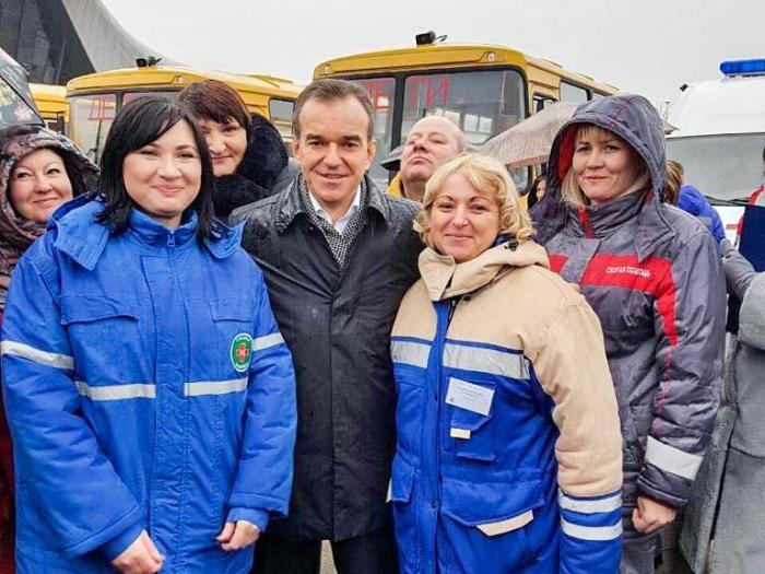 Муниципалитеты Кубани получили 41 машину скорой помощи и33 школьных автобуса